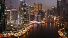 πανοραμικό ηλιοβασίλεμα σκηνής μαρινών του Ντουμπάι εικονικής παράστασης πόλης απόθεμα βίντεο
