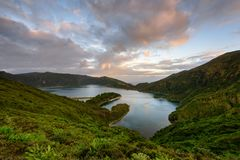 Πανοραμικό τοπίο από τις λιμνοθάλασσες των Αζορών στην Πορτογαλία Στοκ Εικόνες