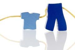 Παντελόνι πουκάμισων πώλησης ενδυμάτων στη συμβολοσειρά στοκ φωτογραφία με δικαίωμα ελεύθερης χρήσης