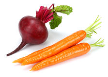 Παντζάρια και καρότο που απομονώνονται στο άσπρο υπόβαθρο στοκ εικόνα