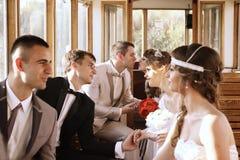Παντρεμένα ζευγάρια στο τραμ Στοκ φωτογραφία με δικαίωμα ελεύθερης χρήσης