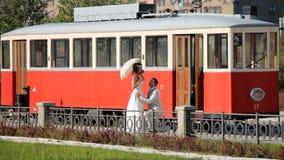 Παντρεμένα ζευγάρια στο τραμ Στοκ Εικόνες