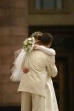 παντρεμένο πρόσφατα ζευγά&rh Στοκ εικόνες με δικαίωμα ελεύθερης χρήσης