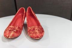 Παντόφλες παραδοσιακού κινέζικου για weds πρόσφατα στοκ εικόνες
