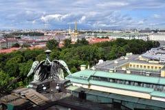 Πανόραμα Αγίου Πετρούπολη, Ρωσία, από την κιονοστοιχία του καθεδρικού ναού Αγίου Isaacs στοκ φωτογραφία