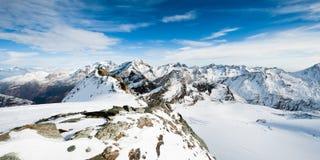 Πανόραμα βουνών από Mittelallalin Στοκ φωτογραφία με δικαίωμα ελεύθερης χρήσης