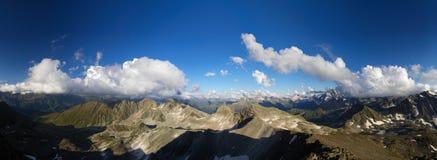 πανόραμα βουνών βραδιού Στοκ Εικόνες