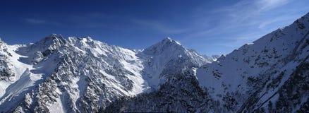 πανόραμα βουνών Καύκασου Στοκ εικόνα με δικαίωμα ελεύθερης χρήσης