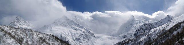 πανόραμα βουνών Καύκασου Στοκ Εικόνα