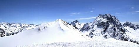 πανόραμα βουνών Καύκασου Στοκ Φωτογραφίες
