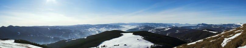 πανόραμα βουνών giumalau Στοκ Εικόνες