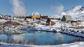 Πανόραμα: Γεωθερμικός σταθμός παραγωγής ηλεκτρικού ρεύματος Mutnovskaya Ρωσική Άπω Ανατολή, χερσόνησος Καμτσάτκα Στοκ φωτογραφία με δικαίωμα ελεύθερης χρήσης