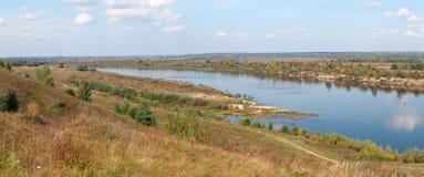 Πανόραμα ενός ποταμού Στοκ Εικόνες
