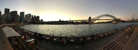 Πανόραμα ηλιοβασιλέματος λιμενικών γεφυρών του Σίδνεϊ Στοκ εικόνα με δικαίωμα ελεύθερης χρήσης