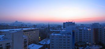 Πανόραμα ηλιοβασιλέματος του Βουκουρεστι'ου, Ρουμανία Στοκ Εικόνα