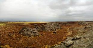 Πανόραμα μέσα στον ηφαιστειακό κρατήρα Dallol στην κατάθλιψη Αιθιοπία Danakil Στοκ φωτογραφία με δικαίωμα ελεύθερης χρήσης