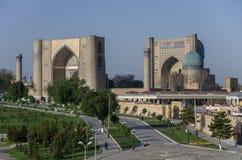 Πανόραμα μεγάλου σύνθετου του μουσουλμανικού τεμένους bibi-Khanym με το beautif στοκ εικόνες με δικαίωμα ελεύθερης χρήσης