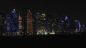 Πανόραμα νύχτας πόλεων Doha απόθεμα βίντεο