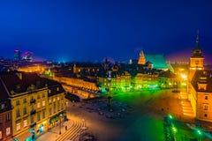 Πανόραμα νύχτας του βασιλικού Castle και της παλαιάς πόλης στη Βαρσοβία Στοκ Εικόνα
