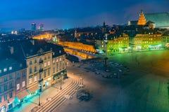 Πανόραμα νύχτας του βασιλικού Castle και της παλαιάς πόλης στη Βαρσοβία Στοκ φωτογραφία με δικαίωμα ελεύθερης χρήσης