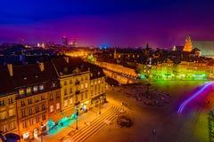 Πανόραμα νύχτας του βασιλικού Castle και της παλαιάς πόλης στη Βαρσοβία Στοκ εικόνες με δικαίωμα ελεύθερης χρήσης