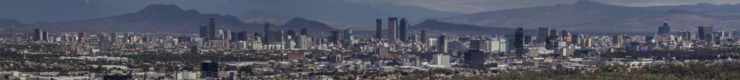 Πανόραμα οριζόντων της Πόλης του Μεξικού στοκ εικόνες