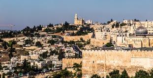 Πανόραμα που αγνοεί την παλαιά πόλη της Ιερουσαλήμ, Ισραήλ, includin Στοκ Φωτογραφίες