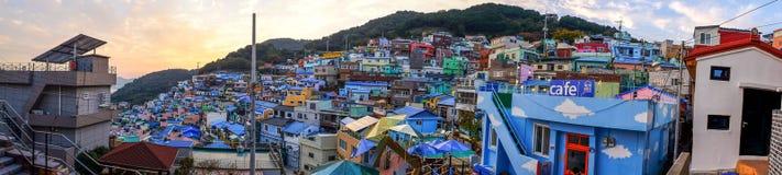 Πανόραμα που πυροβολείται του χωριού πολιτισμού Gamcheon στοκ εικόνες