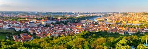 Πανόραμα πόλεων της Πράγας στο ηλιοβασίλεμα, εικόνα υψηλής ανάλυσης, Δημοκρατία της Τσεχίας Στοκ εικόνες με δικαίωμα ελεύθερης χρήσης