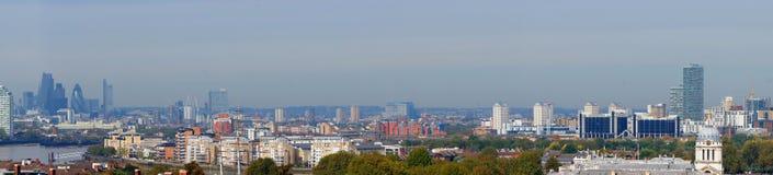 Πανόραμα πόλεων του Λονδίνου από το λόφο του Γκρήνουιτς Στοκ φωτογραφία με δικαίωμα ελεύθερης χρήσης