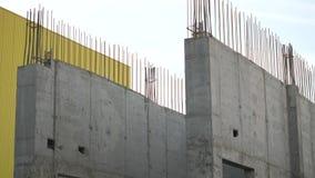 Πανόραμα σε έναν μερικώς χτισμένο τοίχο απόθεμα βίντεο