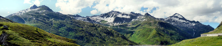 Πανόραμα σε Lukmanierpass στην Ελβετία στοκ εικόνα με δικαίωμα ελεύθερης χρήσης