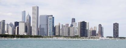 Πανόραμα της άποψης γραμμών ουρανοξυστών του Σικάγου από το πλανητάριο Στοκ φωτογραφίες με δικαίωμα ελεύθερης χρήσης