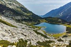 Πανόραμα της λίμνης Muratovo, βουνό Pirin Στοκ εικόνες με δικαίωμα ελεύθερης χρήσης