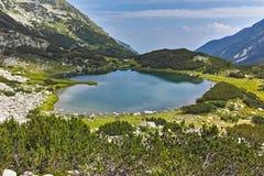 Πανόραμα της λίμνης Muratovo, βουνό Pirin Στοκ φωτογραφία με δικαίωμα ελεύθερης χρήσης