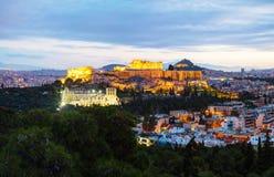 Πανόραμα της Αθήνας με την ακρόπολη το βράδυ μετά από το ηλιοβασίλεμα Στοκ Εικόνες