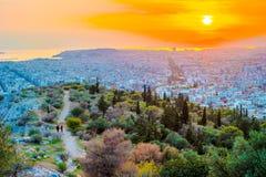 Πανόραμα της Αθήνας στο ηλιοβασίλεμα όμορφη εικονική παράσταση & Στοκ φωτογραφίες με δικαίωμα ελεύθερης χρήσης