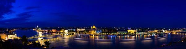 Πανόραμα της Βουδαπέστης στη νύχτα Στοκ Εικόνα