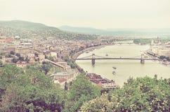 Πανόραμα της Βουδαπέστης και του ποταμού Δούναβη όπως βλέπει από Geller Στοκ εικόνες με δικαίωμα ελεύθερης χρήσης