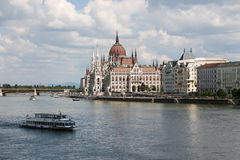 Πανόραμα της Βουδαπέστης με το Δούναβη και το Κοινοβούλιο, Ουγγαρία Στοκ φωτογραφία με δικαίωμα ελεύθερης χρήσης