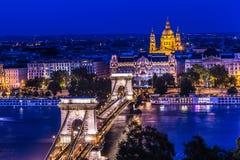 Πανόραμα της Βουδαπέστης, Ουγγαρία, με τη γέφυρα αλυσίδων και την ισοτιμία Στοκ Εικόνες