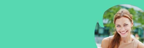 Πανόραμα της γυναίκας στη λεκτική φυσαλίδα Στοκ Φωτογραφία