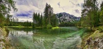 Πανόραμα της διάσημης πράσινης λίμνης - Gruener δείτε - στην Αυστρία στοκ φωτογραφίες με δικαίωμα ελεύθερης χρήσης