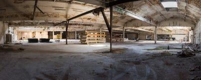 Πανόραμα της εγκαταλελειμμένης αποθήκης εμπορευμάτων Στοκ Εικόνες