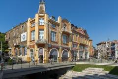 Πανόραμα της κεντρικής οδού Knyaz Αλέξανδρος Ι στην πόλη Plovdiv, Βουλγαρία Στοκ φωτογραφία με δικαίωμα ελεύθερης χρήσης