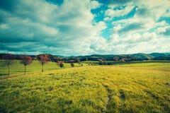 Πανόραμα της κοιλάδας λόφων το φθινόπωρο σαξονικός Στοκ εικόνα με δικαίωμα ελεύθερης χρήσης