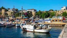 Πανόραμα της μαρίνας σε Kaleici με τα σκάφη αναψυχής απόθεμα βίντεο