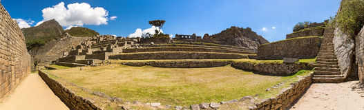 Πανόραμα της μυστήριας πόλης - Machu Picchu, Περού, Νότια Αμερική. Οι καταστροφές Incan. Στοκ εικόνα με δικαίωμα ελεύθερης χρήσης