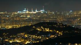 Πανόραμα της νύχτας της Βαρκελώνης timelapse από το υποστήριγμα Tibidabo Καταλωνία, Ισπανία απόθεμα βίντεο