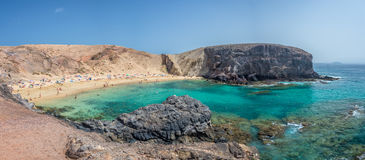 Πανόραμα της παραλίας Papagayo κοντά στο BLANCA Playa, σε Lanzarote, τα Κανάρια νησιά, Ισπανία Στοκ Εικόνες